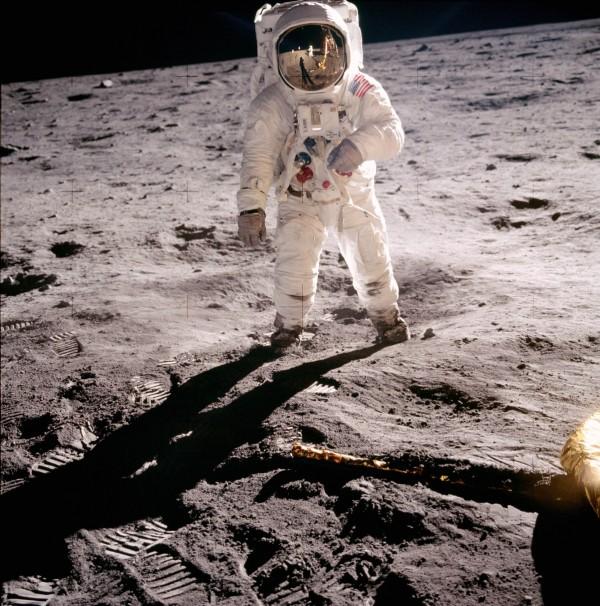 luna kosmon 2